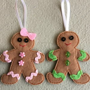 Felt gingerbread man hanging decoration