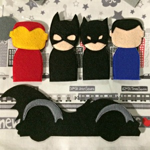 Busy book Bat Mobile with finger puppets