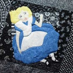 Alice in Wonderland applique Alice