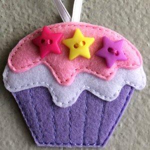 Felt cupcake decoration
