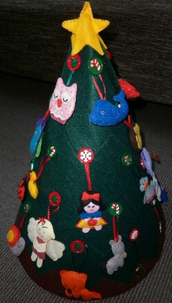 Bella's felt Christmas tree side 3